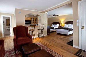 Nordic Inn :: Newly renovated, luxury accommodations, amenities, & services of a contemporary boutique bed & breakfast hotel. Hotel rooms, suites, or a private chalet! Book today!