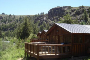 Almont Mountain Vacations | 3 Rivers Resort